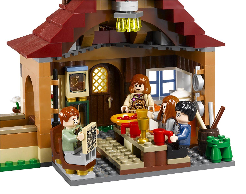 Die Küche des LEGO-Sets Fuchsbau 4840 harry potter