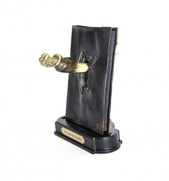 Tom Riddles Tagebuch mit Basiliskenzahn Harry Potter kammer des Schreckens Voldemort